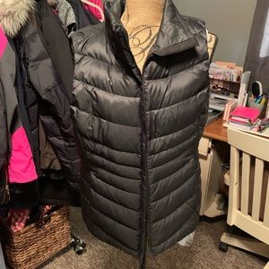 Women's north face puffer vest